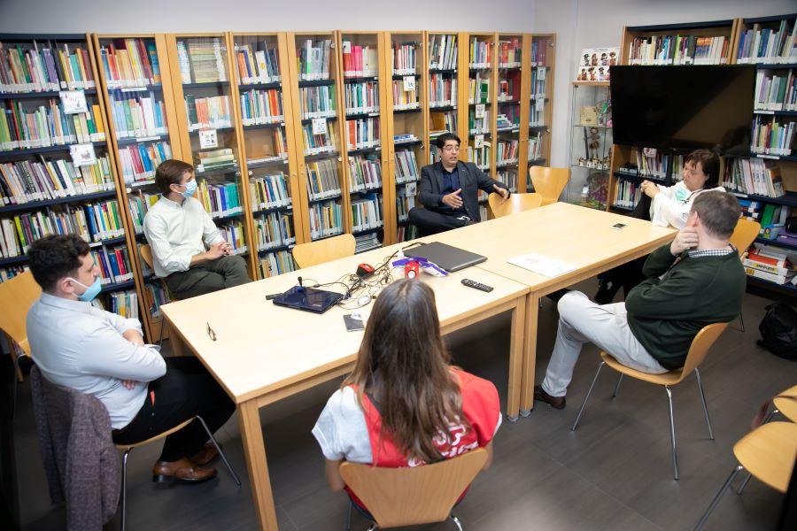 Visita Cáritas 2 - Tenerife.- Pedro Martín visita recurso de Cáritas Café Calor  para impulsar la labor de las entidades sociales