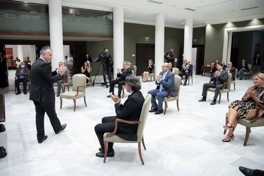 pacto reactivación 25 - Canarias aprueba el Pacto para la Reactivación  por la COVID-19 con amplio apoyo político y respaldo de las administraciones locales y  agentes económicos y sociales