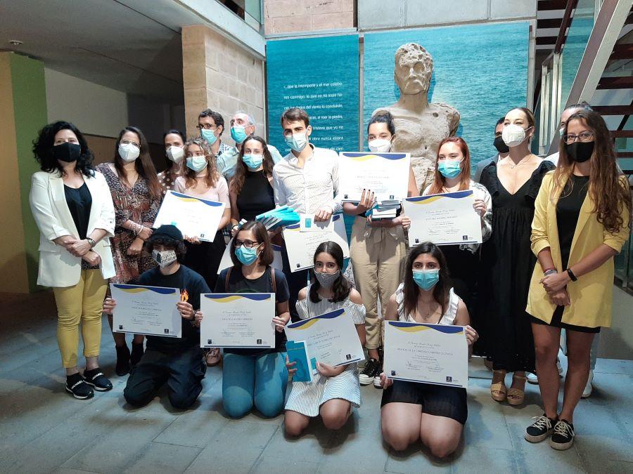 Premiados novela joven Benito Pérez Galdos - Gran Canaria.- Iryana C. Morales y Enrique Subiela ganan  el primer premio 'Benito Pérez Galdós' de Narrativa Joven, en su Primera edición