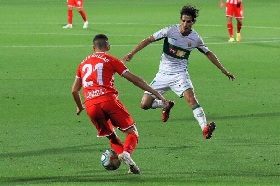 Girona 0 Elche1 03 900x600 - Girona Fc 0 - Elche 1 : El Elche asciende en Montilivi con gol último minuto ( con Galería de Foto )