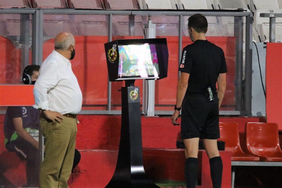 Girona 0 Elche1 09 900x600 - Girona Fc 0 - Elche 1 : El Elche asciende en Montilivi con gol último minuto ( con Galería de Foto )