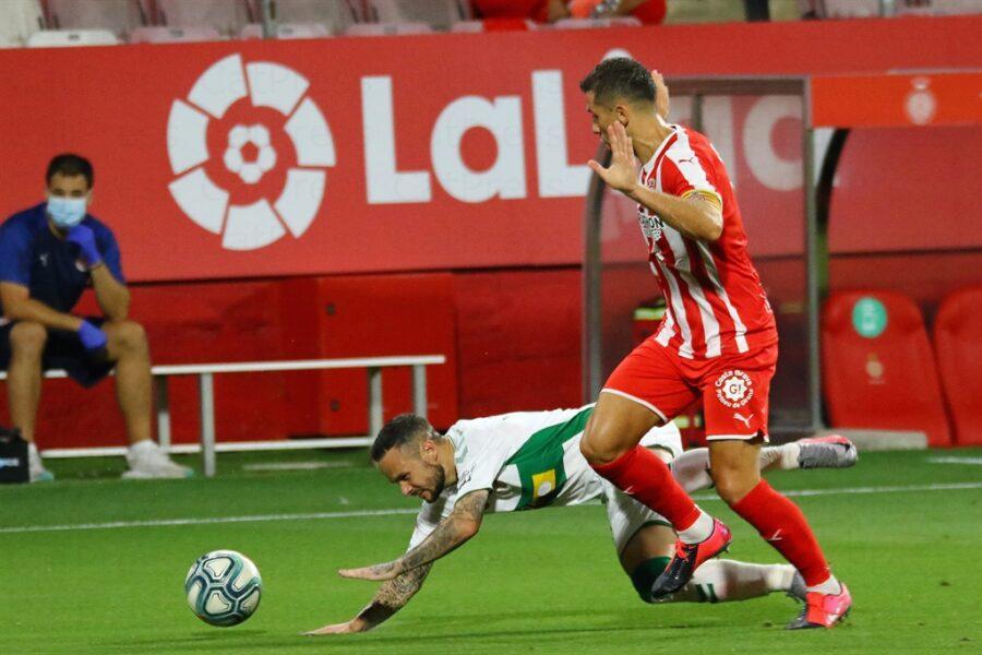 Girona 0 Elche1 12 900x600 - Girona Fc 0 - Elche 1 : El Elche asciende en Montilivi con gol último minuto ( con Galería de Foto )