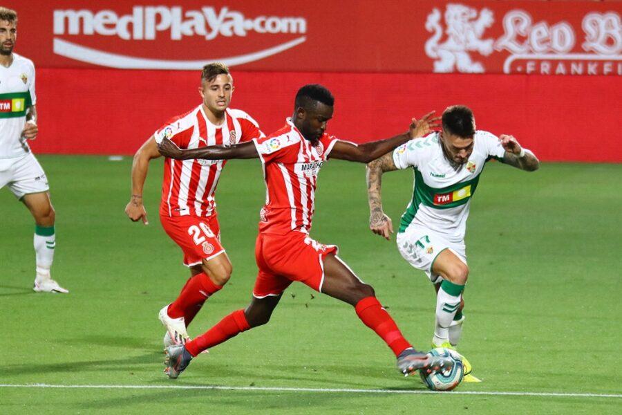 Girona 0 Elche1 17 900x600 - Girona Fc 0 - Elche 1 : El Elche asciende en Montilivi con gol último minuto ( con Galería de Foto )