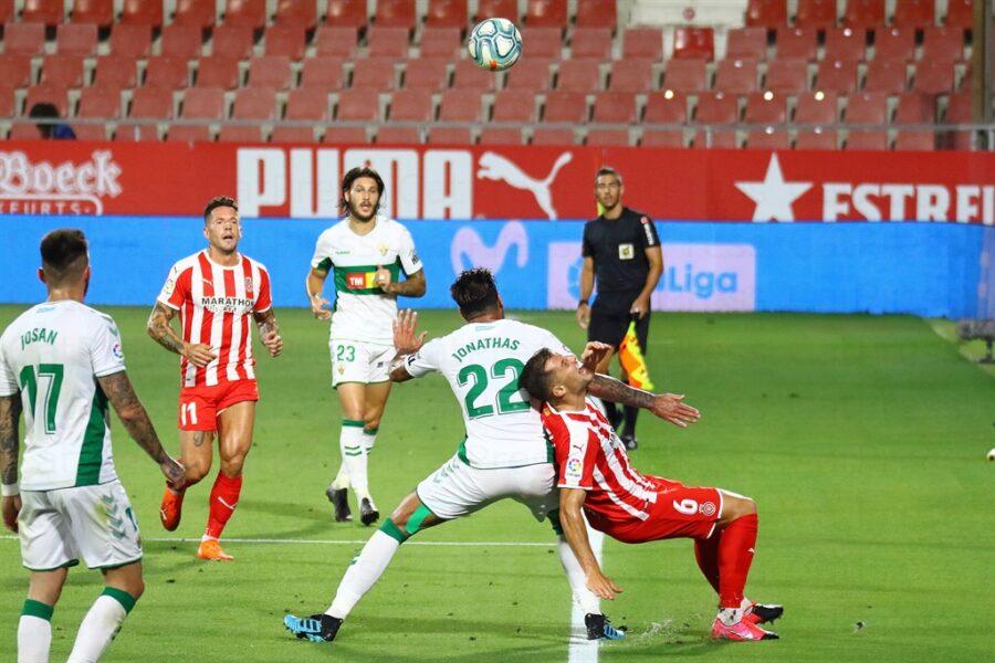 Girona 0 Elche1 20 900x600 - Girona Fc 0 - Elche 1 : El Elche asciende en Montilivi con gol último minuto ( con Galería de Foto )
