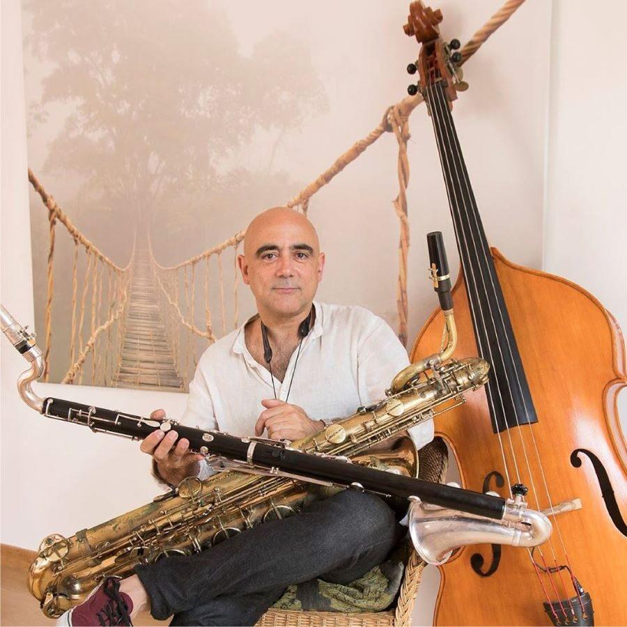 Joan Chamorro 02 1 900x900 - VI Fábrica Fest Plus - Islas Canarias desde  28 de septiembre con músicas del mundo, concierto y masterclasses en colaboración con Fundación Mapfre Guanarteme